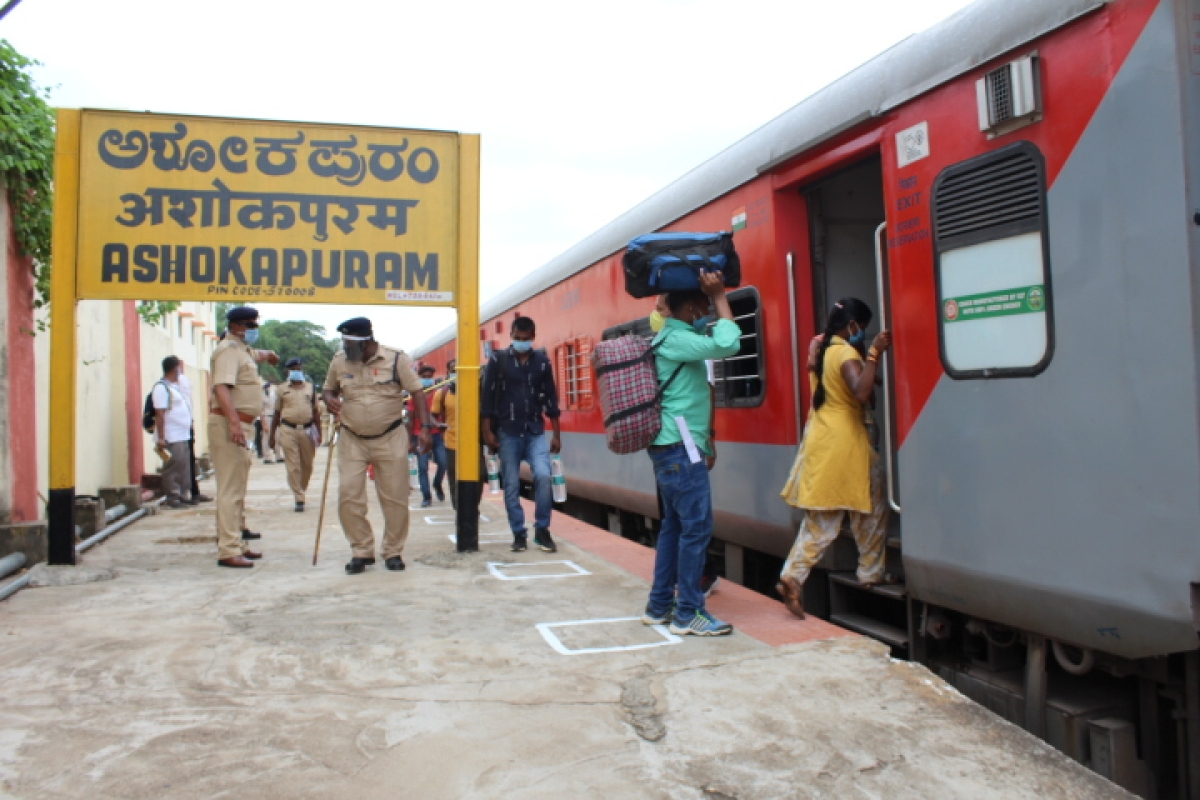 2 Shramik Special trains leave from Mysuru Division with over 3000 UP bound migrants