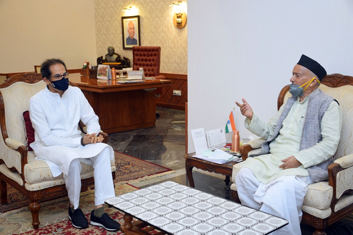 Maharashtra, May 01 (ANI): Maharashtra Chief Minister Uddhav Thackeray met Governor Bhagat Singh Koshyari on the occasion of Maharashtra Day, at Raj Bhavan in Mumbai on Friday.
