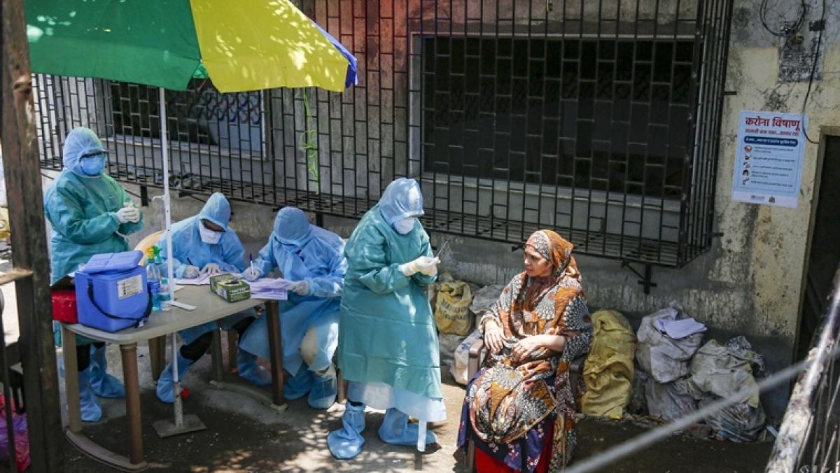 Maha govt asks private doctors in Mumbai to report to hospitals treating coronavirus patients