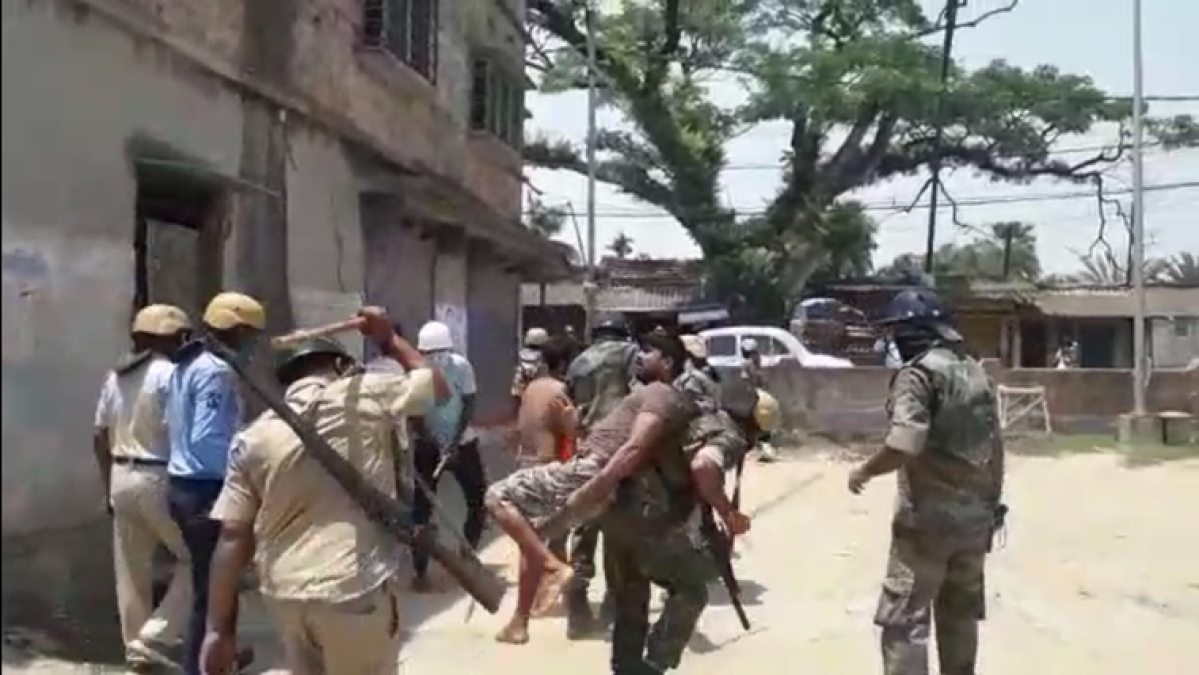 Violence in Bengal: Locals attack cops after being asked to follow lockdown in West Bengal's Baruipur