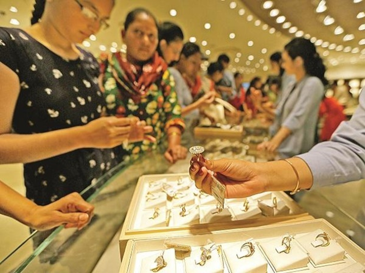 Jewellers allowed to open shops for security checks