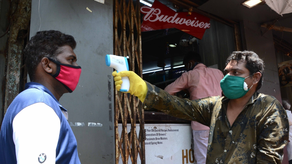 Lockdown 3.0 in Maharashtra: Liquor shops to start token system to avoid rush; can sell up to only 400 customers per day