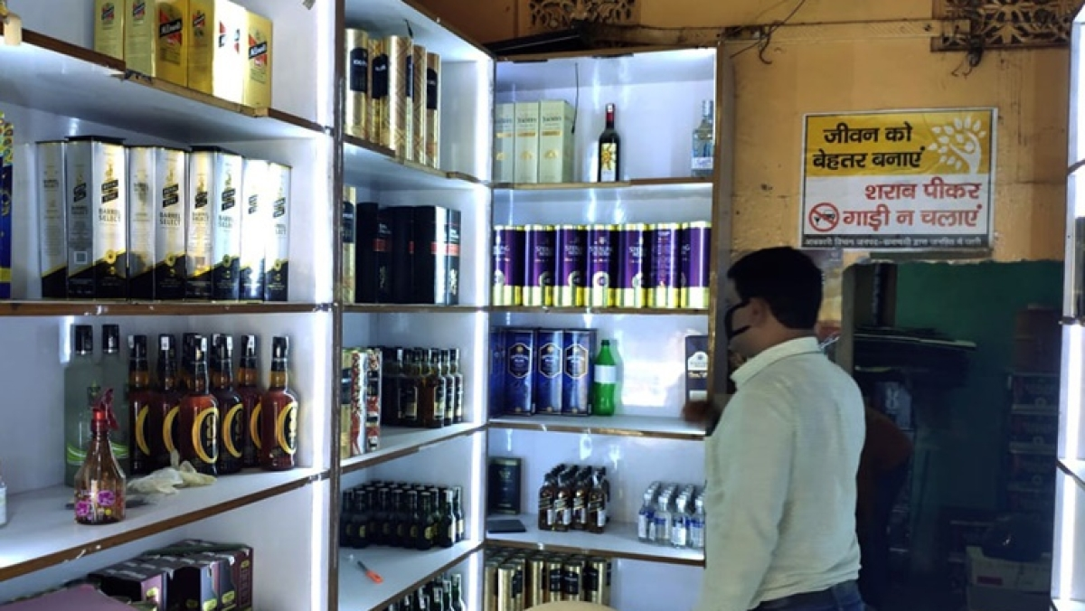 Congress MLA urges Rajasthan CM Ashok Gehlot to open wine shops; says drinking alcohol will remove coronavirus from throat