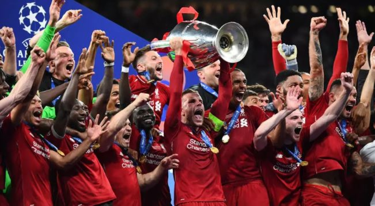 Champions in for discrete show; Lifting Premier League trophy in empty stadium would be strange, says Henderson
