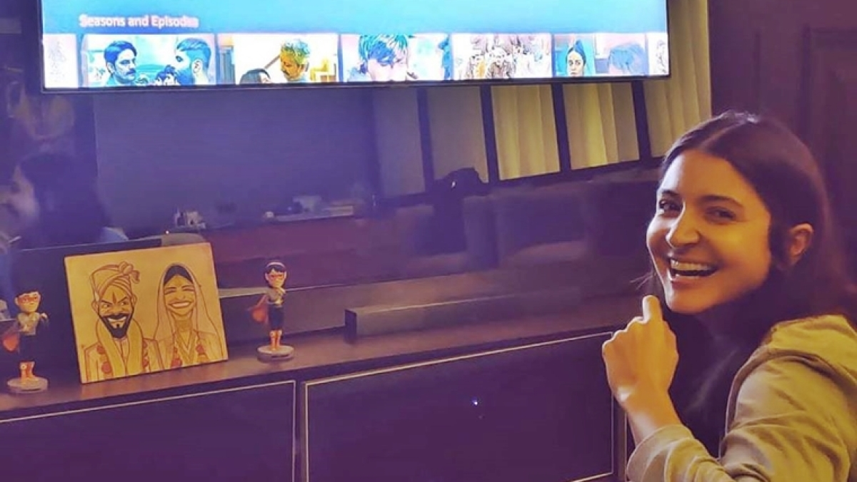 Did you notice Anushka and Virat's action figure lookalikes wearing superhero costume in their living room?