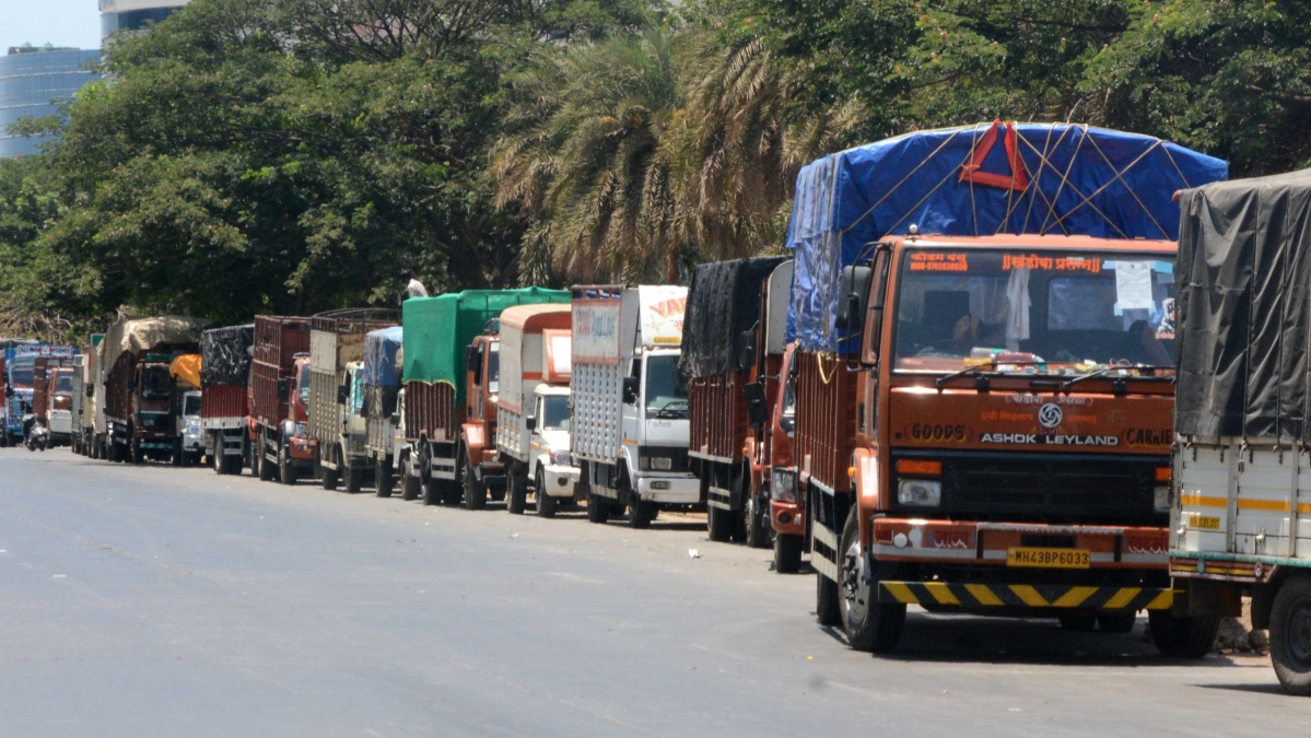 Mumbai: Driver caught ferrying cattle in 'essential' service tempo