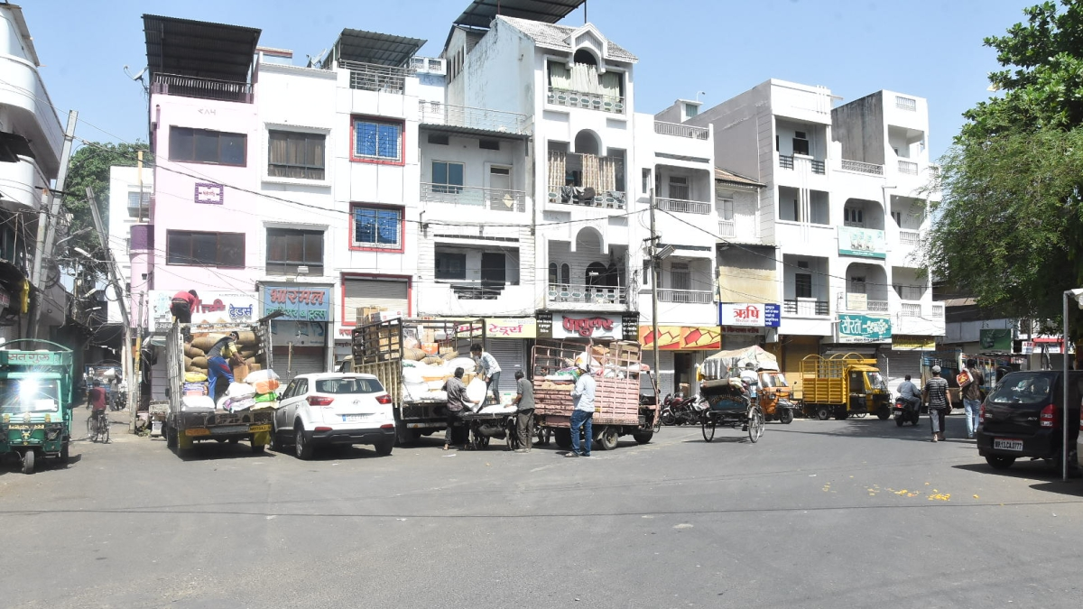 Brisk activities were witnessed in City's wholesale kriana market at Favvara Chowk on Wednesday.