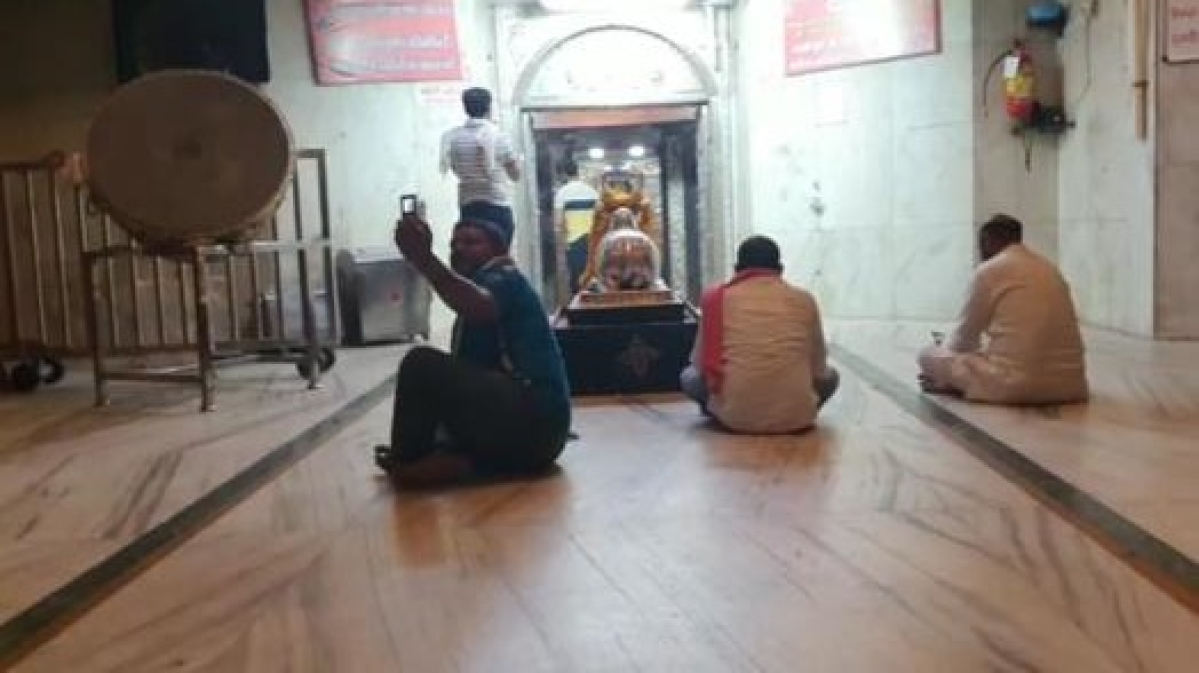 Ujjain: 6 scribes of Indore perform worship in Mahakal temple, collector asks cops to lodge FIR