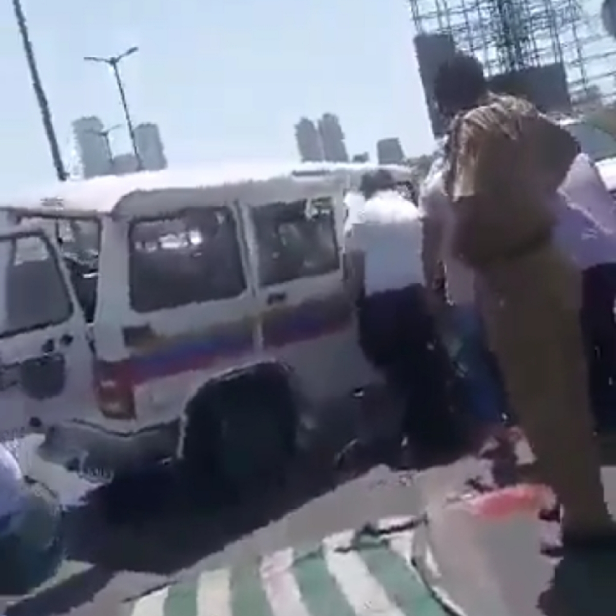 Cops injured in an accident on Freeway