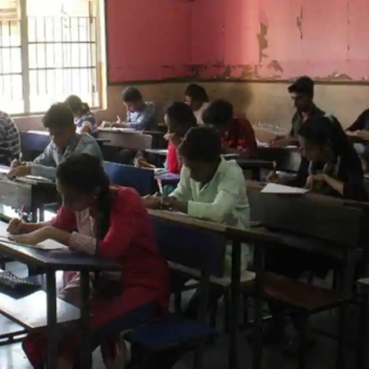 Madhya Pradesh: Reduce college exams duration from 3 hrs to 2 hrs, recommends vice chancellors' panel