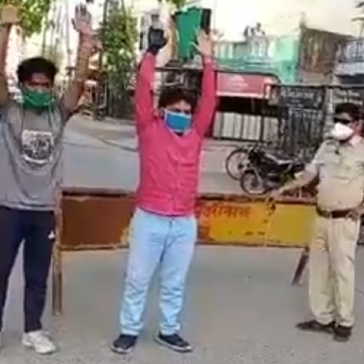 Indore Police punishes lockdown violators by making them do exercise