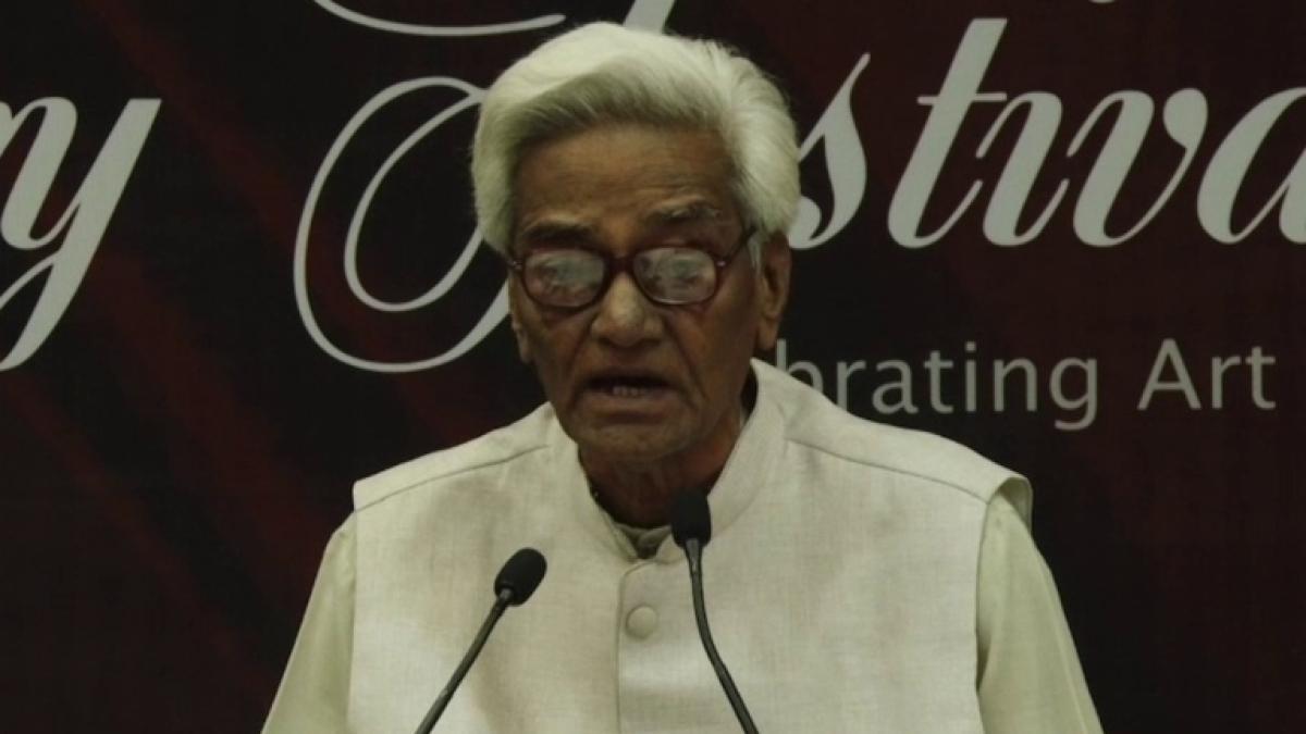 Noted Urdu writer Mujtaba Hussain passes away after suffering cardiac arrest