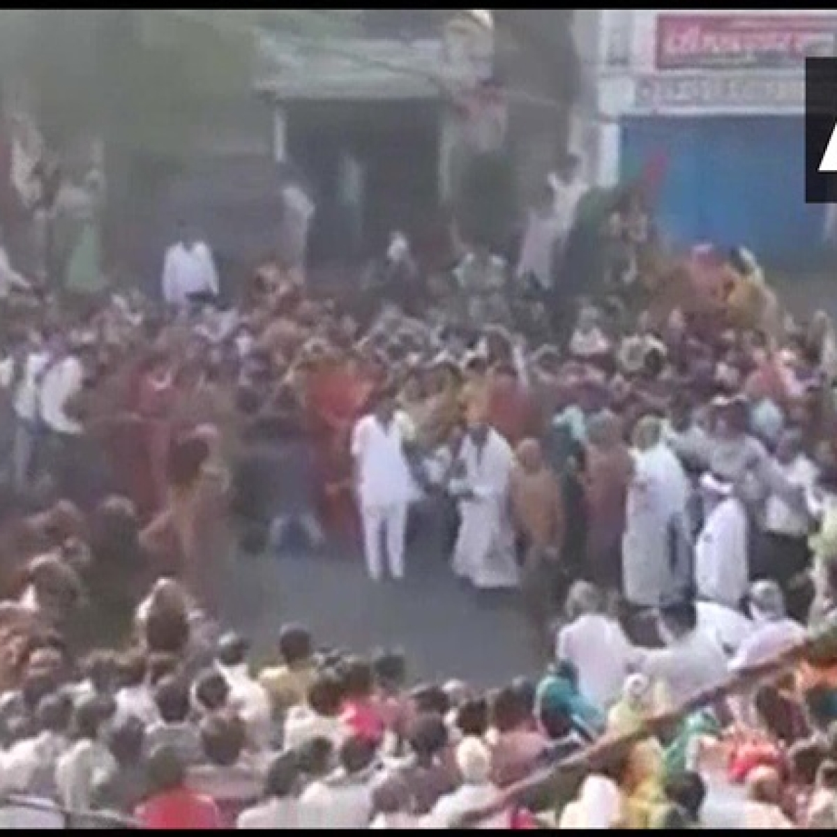 What social distancing? Large crowd gathers in Madhya Pradesh to welcome Jain Monk