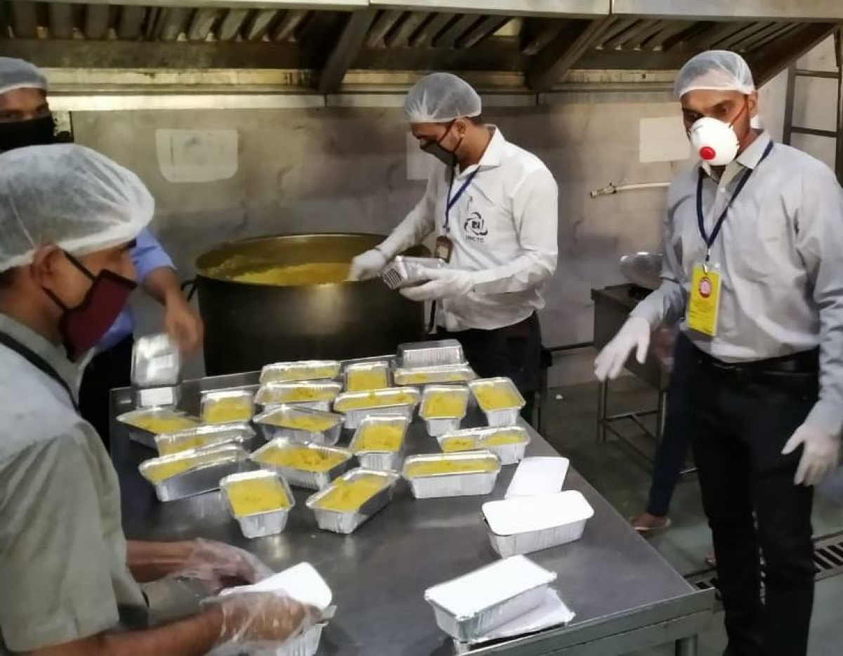 WR & IRCTC distribute free meals to about 4.74 lakh needy persons