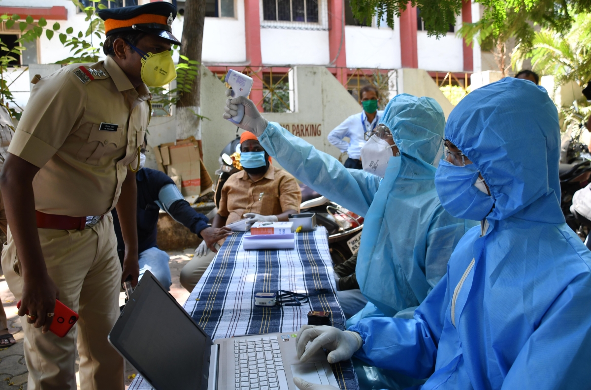 Coronavirus in Mumbai: 23 policemen resume duty at JJ police station after recovering from COVID-19