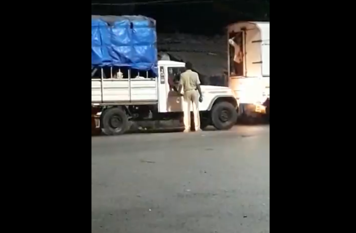 Lockdown 3.0 in Thane: Policeman accepts bribe from drivers who are ferrying migrant labourers; watch video