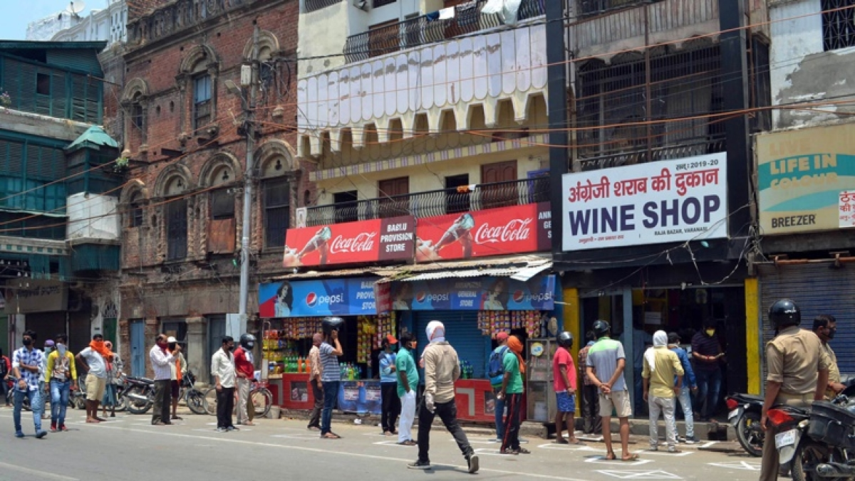 Karnataka sees liquor sale of Rs 45 cr on first day of opening of liquor shops