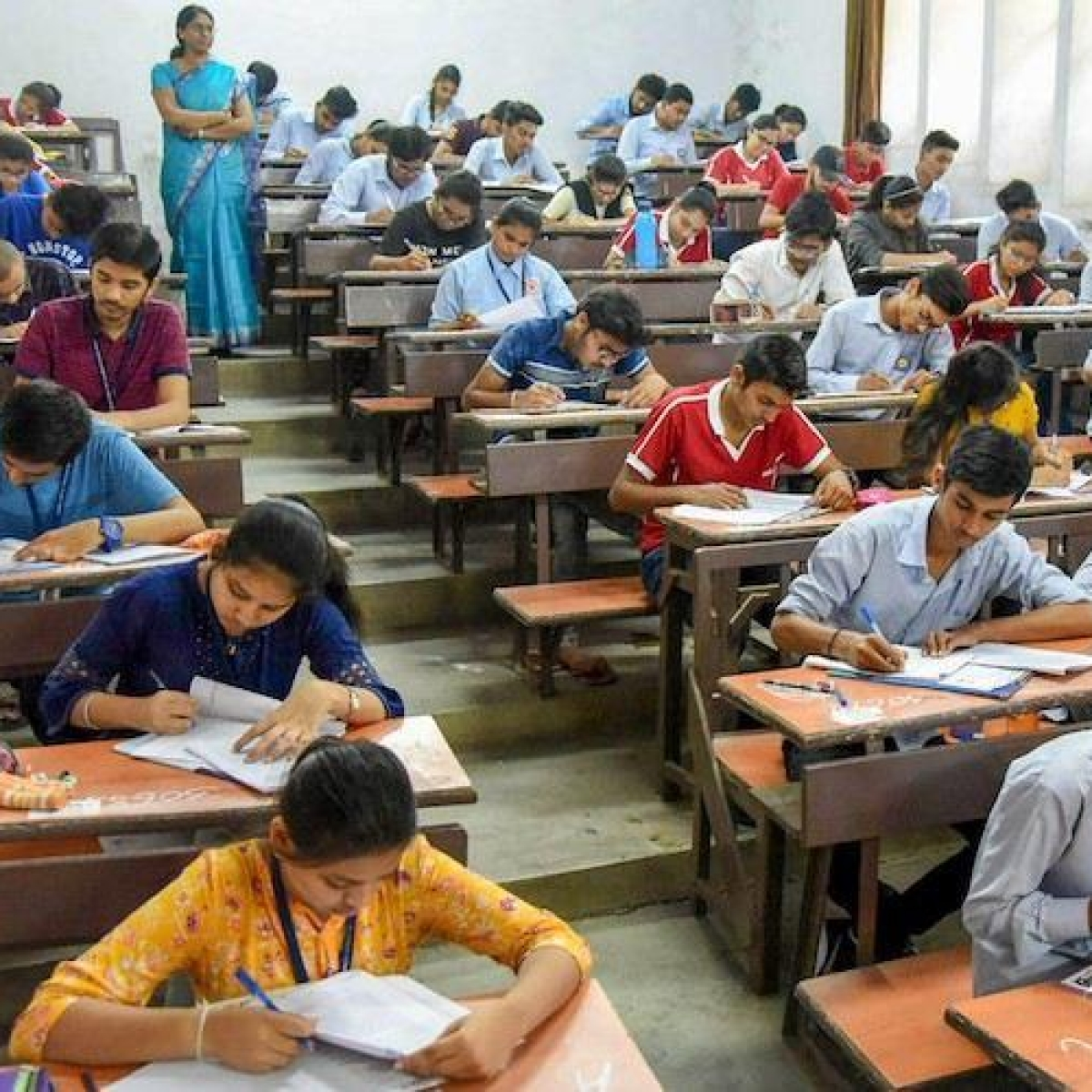 DAVV set to shelve plans to hold exams from June 16 as lockdown extended