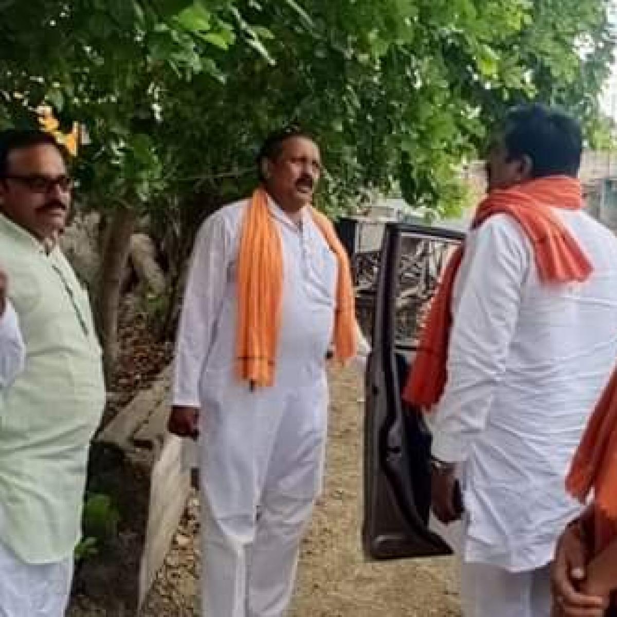 Madhya Pradesh: Ex-MLA Rajkumar Mev violating lockdown frequently, Mandleshwar SDM complains to collector