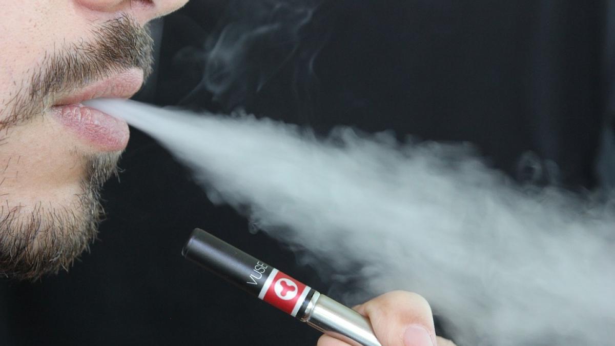 Researchers develop new device to track e-cigarette habits