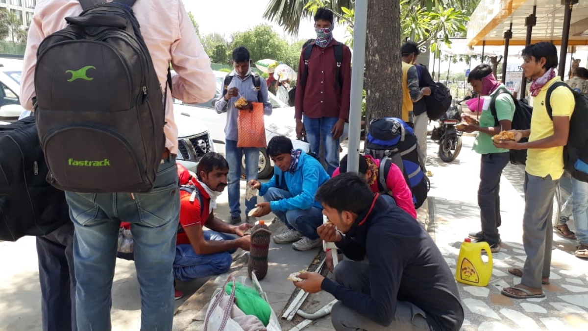 Migrants stuck as government seals Rajasthan's inter-state borders