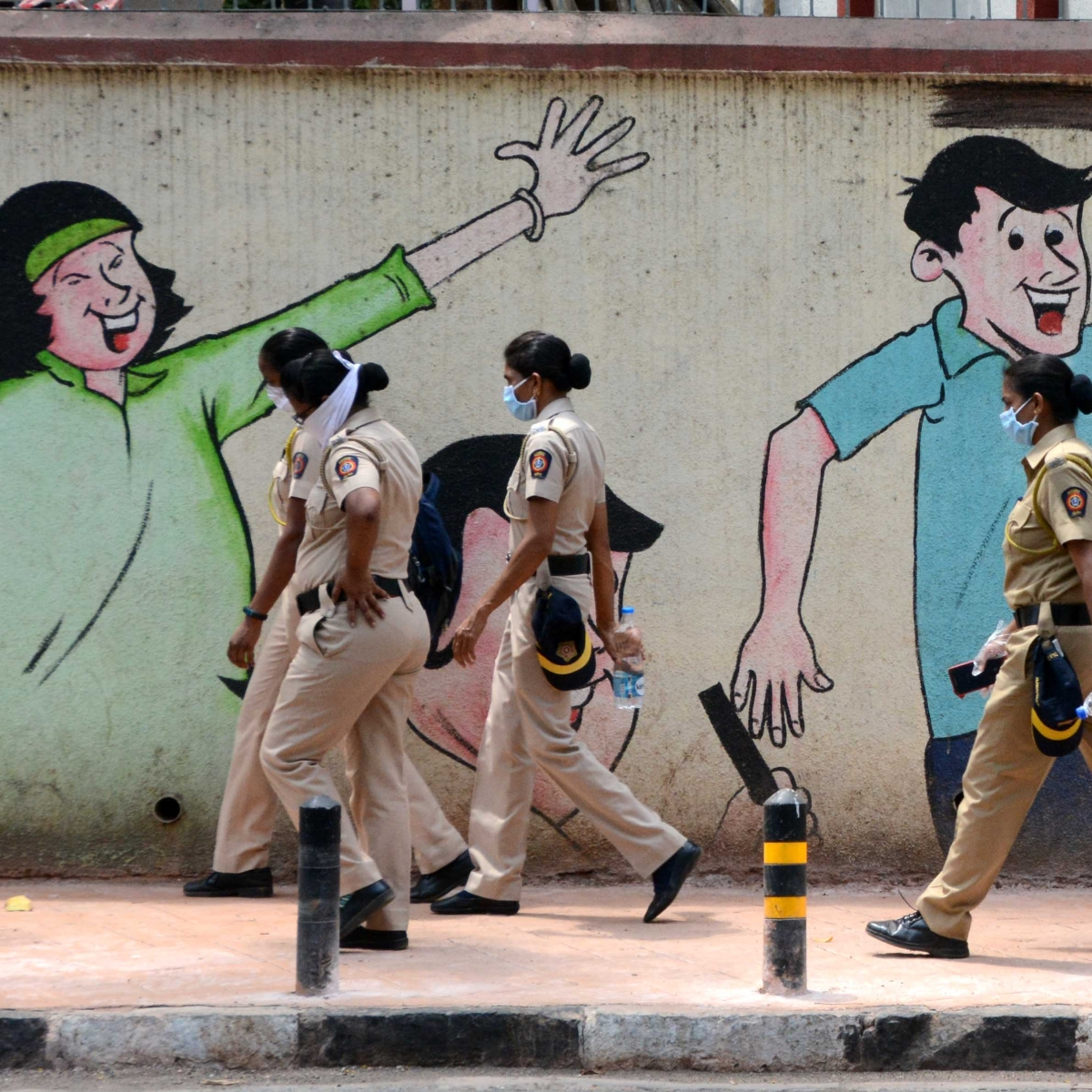 Maha Govt announces Rs 50 lakh accident cover for frontline warriors including police, Aanganwadi workers, home guards