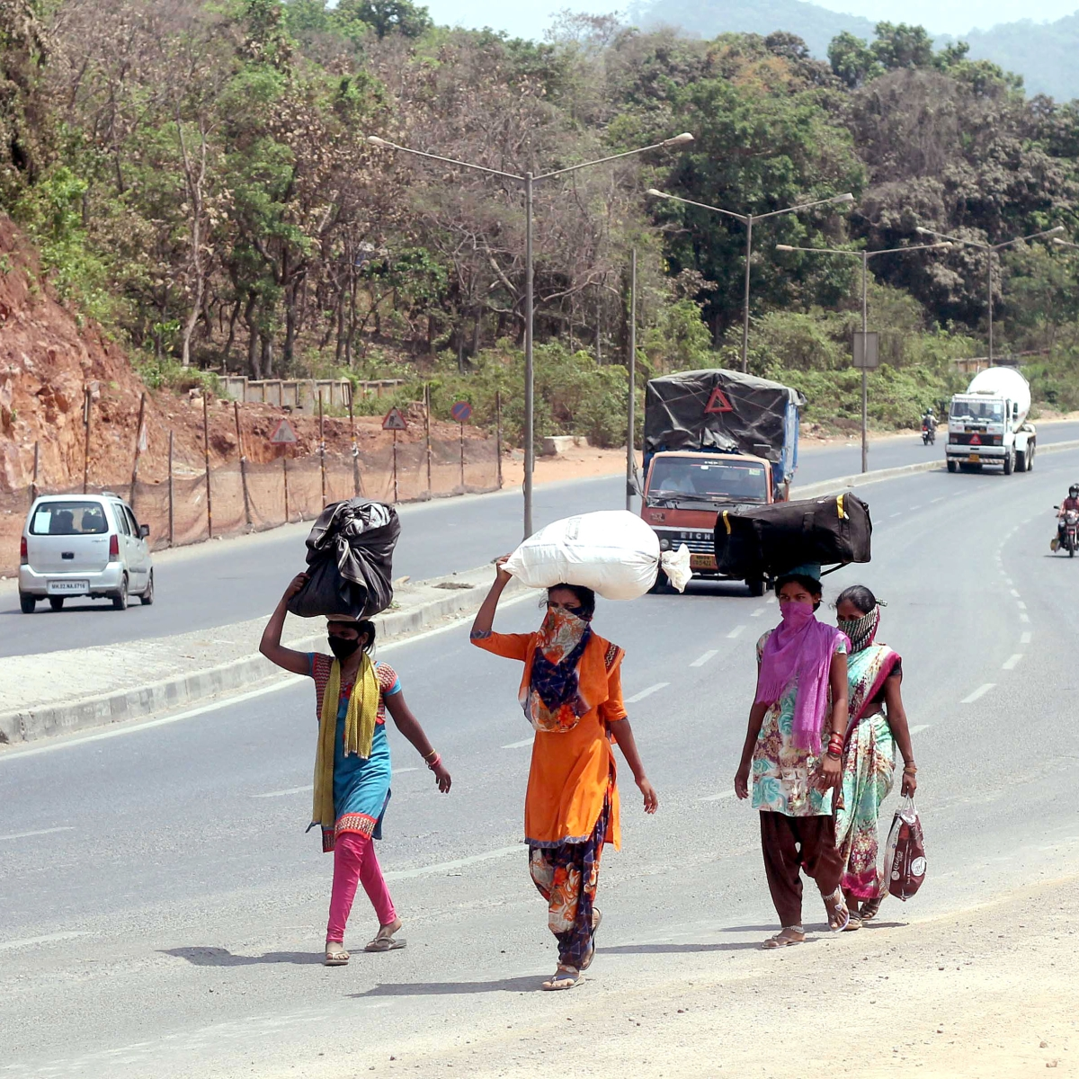 Maharashtra Govt moves to get stranded workers moving