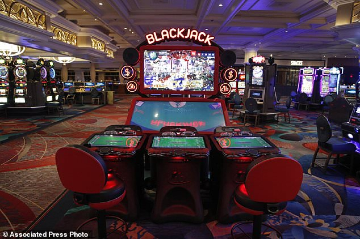 Disinfected dice: Las Vegas casinos get ready to roll