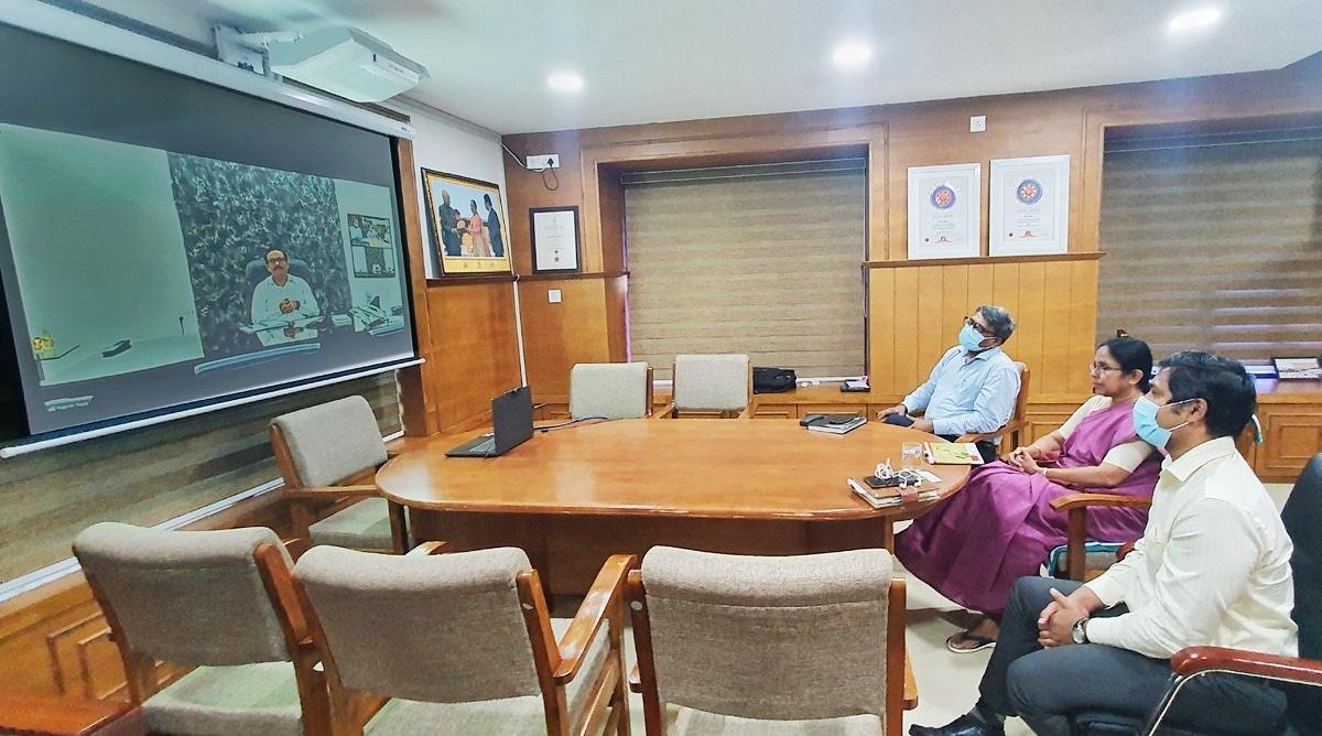 Mumbai: Rajesh Tope, Kerala health minister K K Shailaja discuss COVID-19 response
