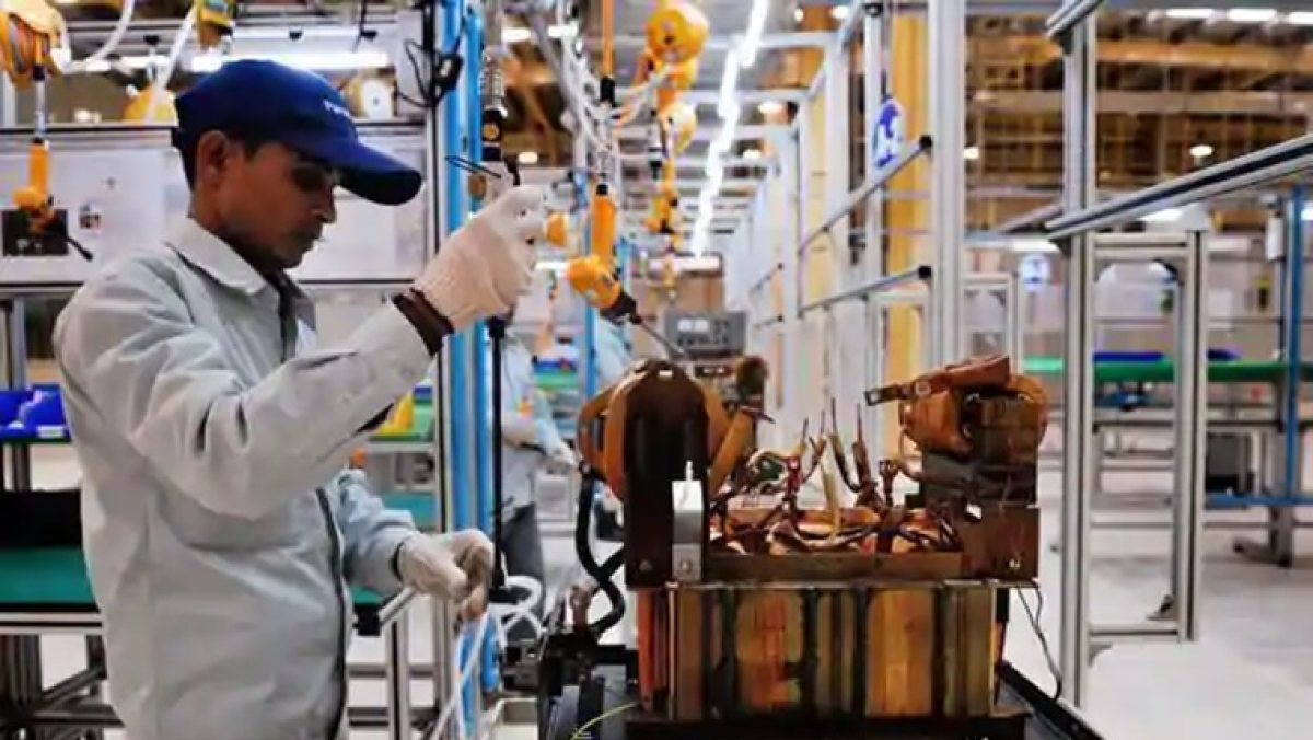 Indian manufacturing output falls further in May, rate of job cuts accelerates: PMI