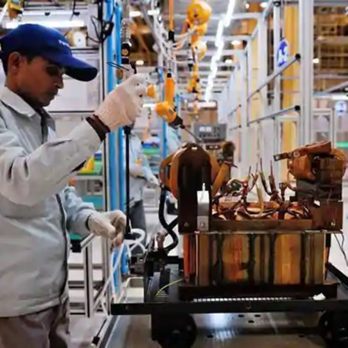 Home Ministry issues detailed guidelines for restarting manufacturing industries after lockdown