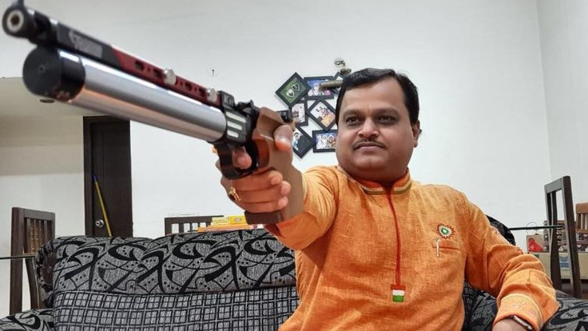Bigotry amid pandemic: Suresh Chavhanke has a problem with colours of COVID-19 zones; Congress's Radhika Khare hits back