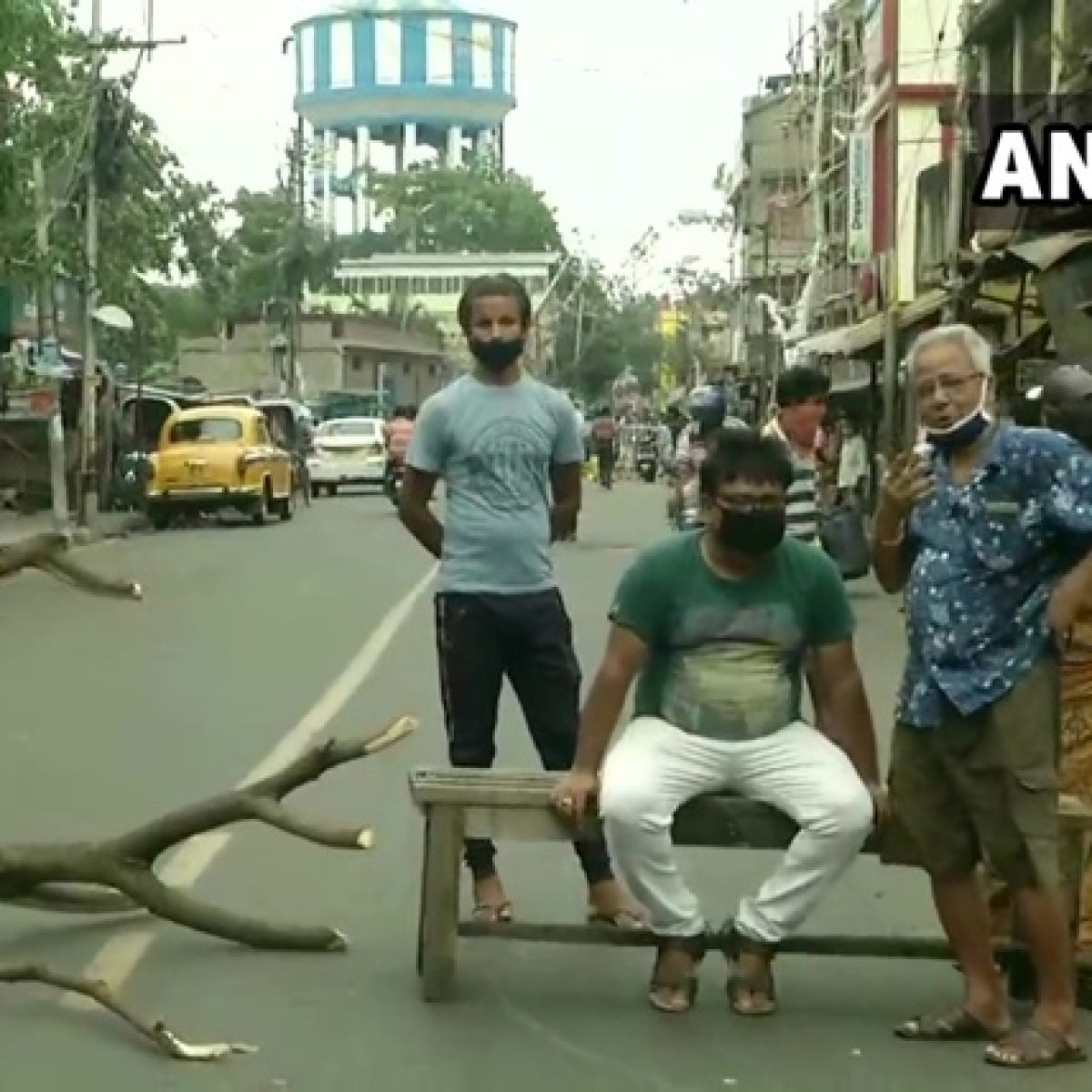 Cyclone Amphan: Local residents block roads in Kolkata, demand restoration of electricity and water supply