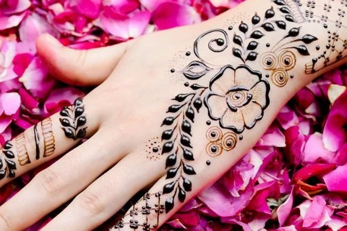 Eid al-Fitr 2020: Easy and simple Mehendi designs to try at home