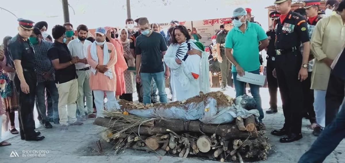 In pics: Family bids adieu to Handwara braveheart Col Ashutosh Sharma, CM Ashok Gehlot pays tribute
