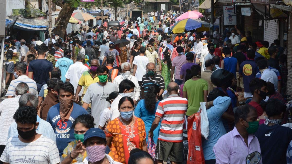 Coronavirus in Maharashtra: COVID-19 cases spike by 2,436 to 52,667; 60 more die Mumbai
