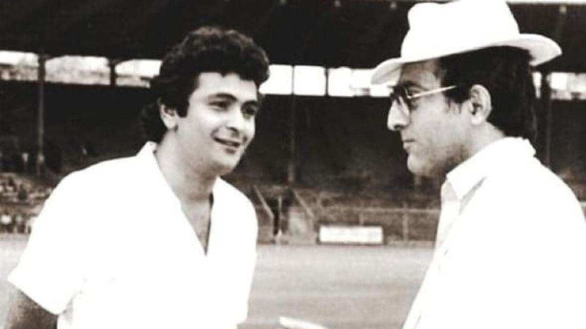 Two Tigers: Kareena shares rare pic of Rishi Kapoor, father-in-law Mansur Ali Khan Pataudi