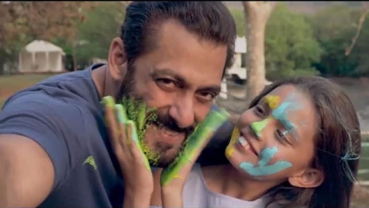 Who is the young girl at the end of Salman Khan's 'Tere Bina'?