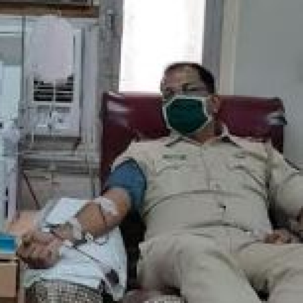 Corona warriors: Mumbai cop rushes to donate platelets on learning of shortage in hospital