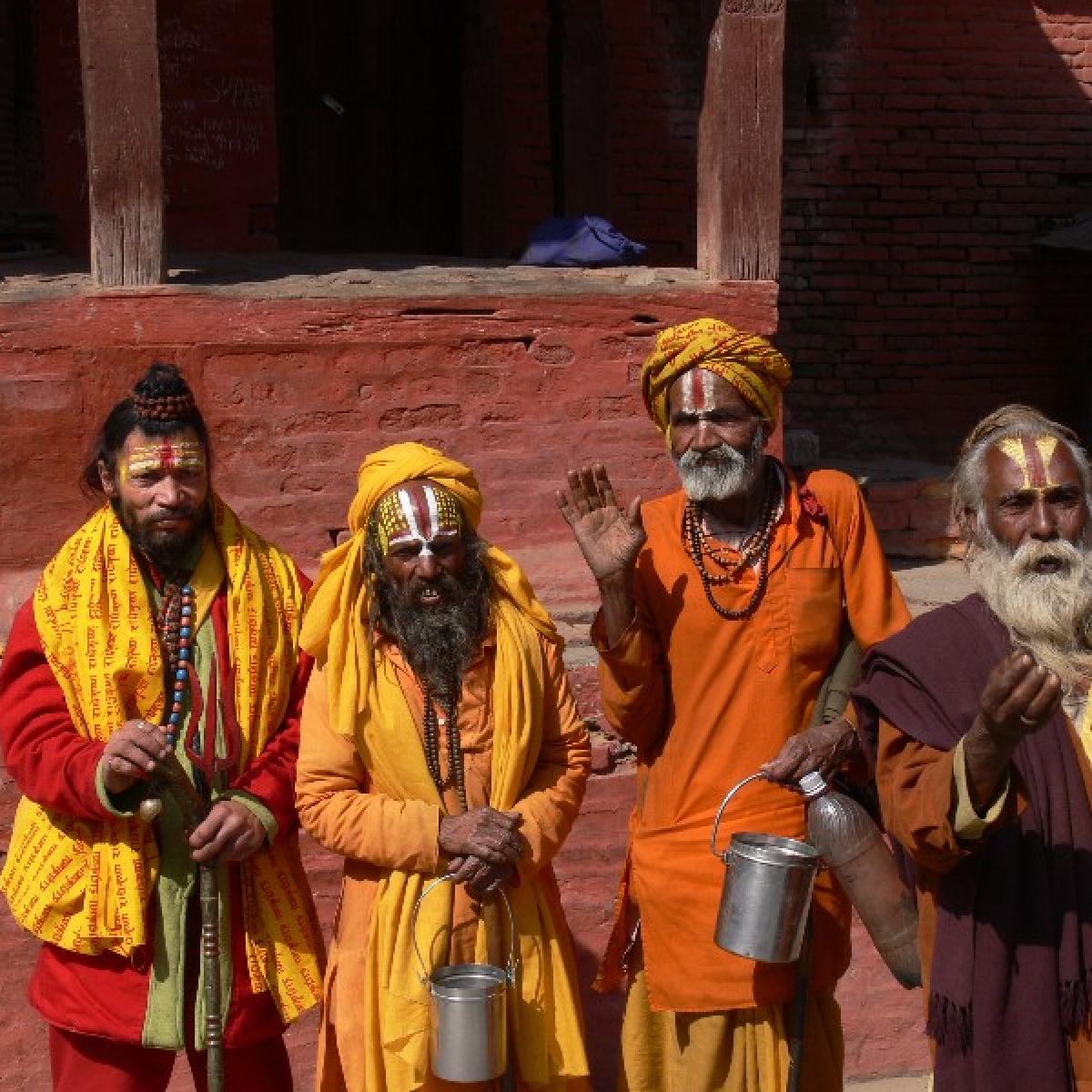 Exodus: Priests sleep on Bhopal roads on way home to UP
