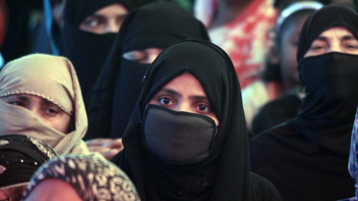 Obnoxiously absurd: Twitter fumes over comparison of wearing 'burqa' with the practice of 'sati'