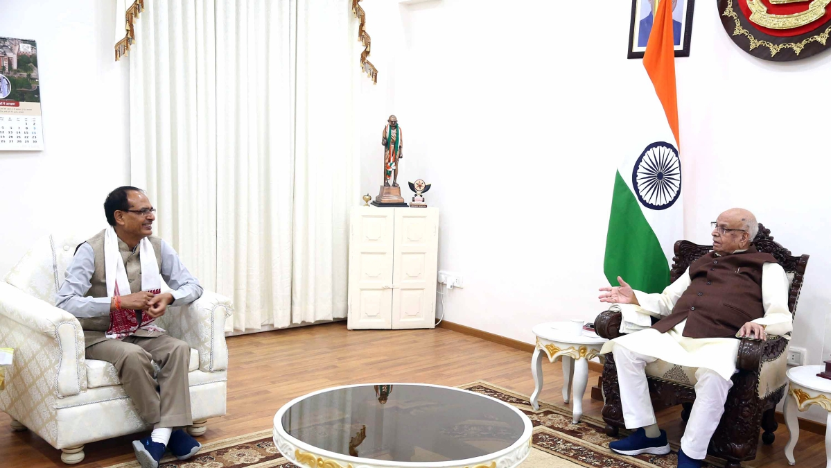 CM meets Governor Lalji Tandon at Raj Bhawan, in Bhopal on Friday.