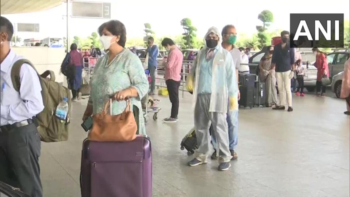 Domestic air travel resumes in Mumbai amid lockdown; passengers complain about flights getting cancelled