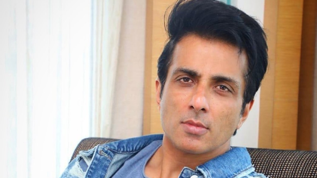 'We can't show concern for migrants by sitting in AC and tweeting', says Sonu Sood