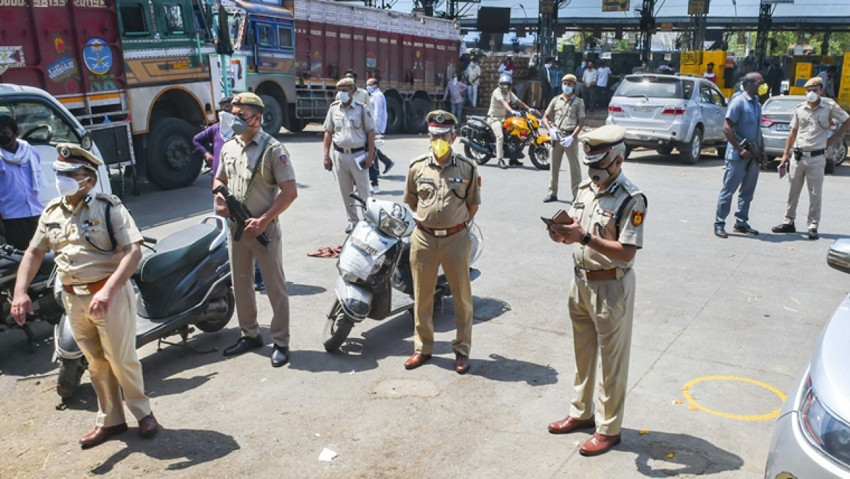 3 Delhi policemen suspended for one day for lying to seniors that they came in contact with COVID-19 positive cops