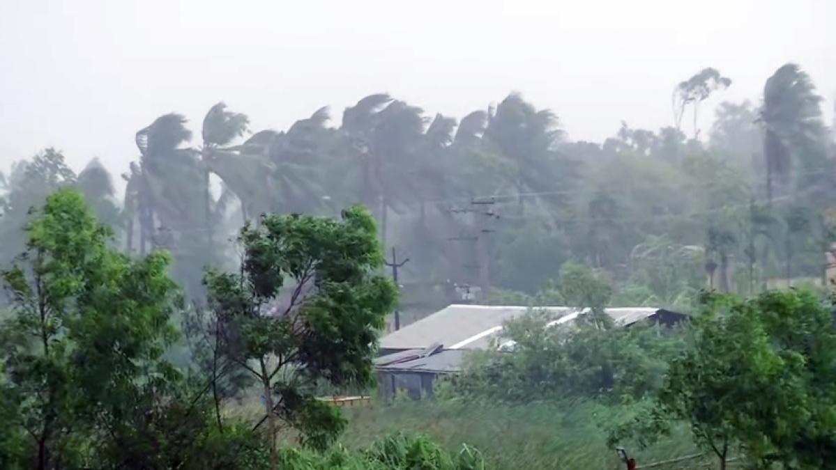 Cyclone Amphan's landfall process commences at 2:30 pm in West Bengal: IMD