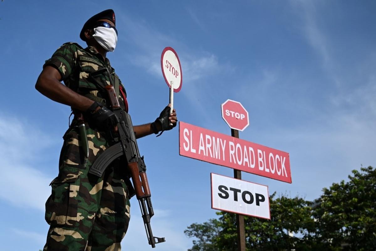 Sri Lanka extends lockdown in risk zones till May 11