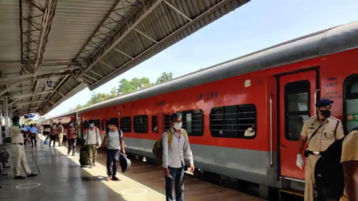 At least 80 migrants have died on Shramik trains from May 9 to May 27; over 52 lakh passengers transported, says Railways