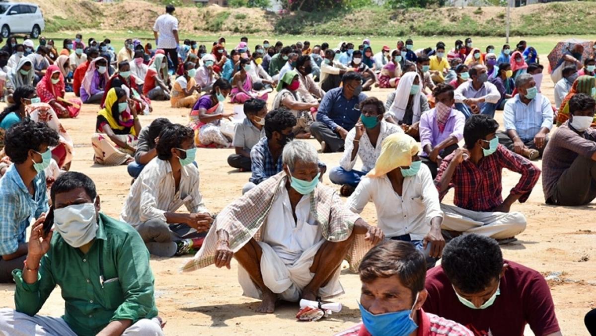 BJP Karnataka claims PM Modi gave Rs 3497 crore to 217 construction workers!