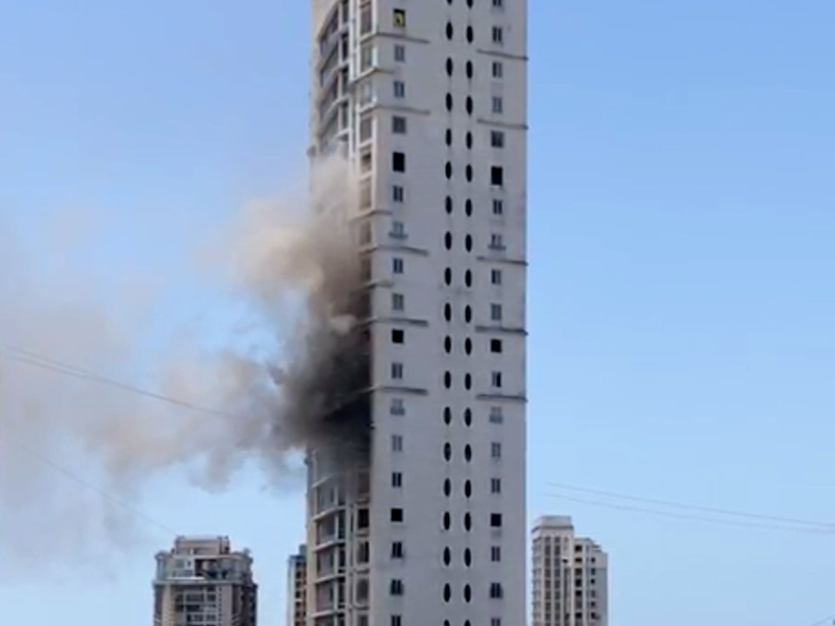 Mumbai: Fire erupts in SoBo highrise; no injuries